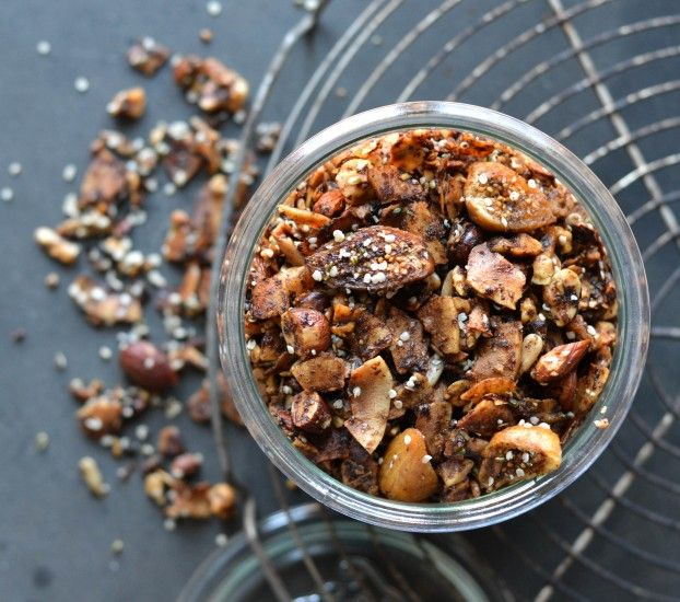 Grain free Christmas granola - A tasty Love Story
