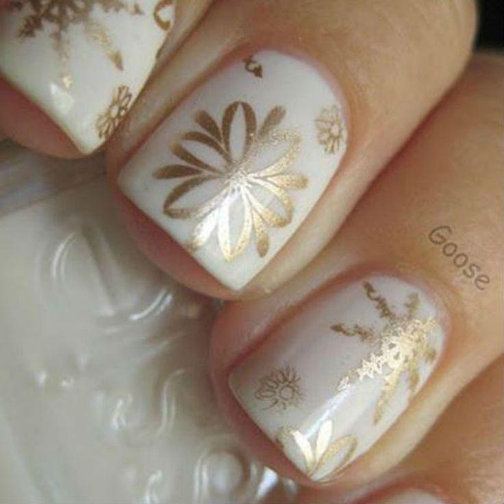 Les 70 plus beaux nail art de Noël