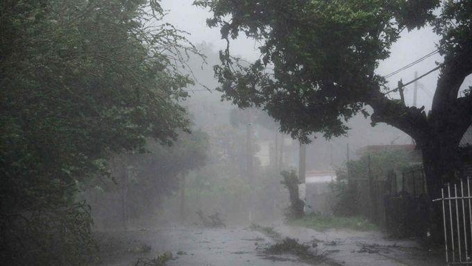 Trump declara situación de desastre en Puerto Rico por paso de huracán Irma