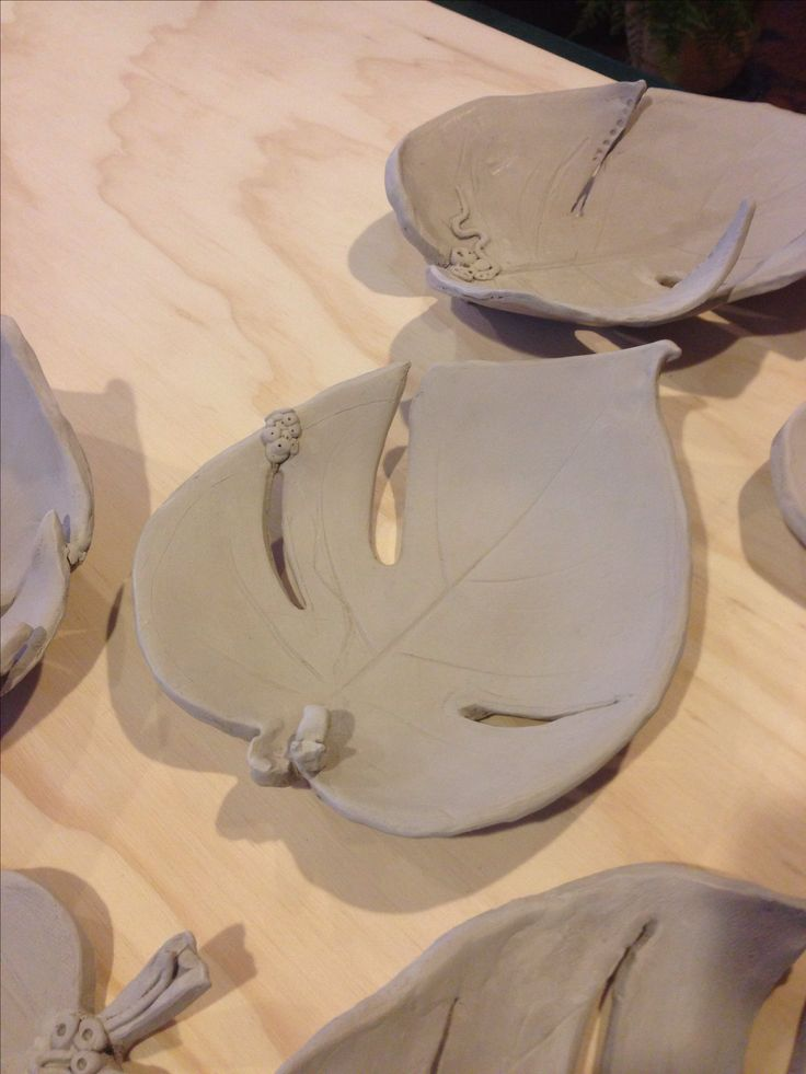Leaf pottery clay