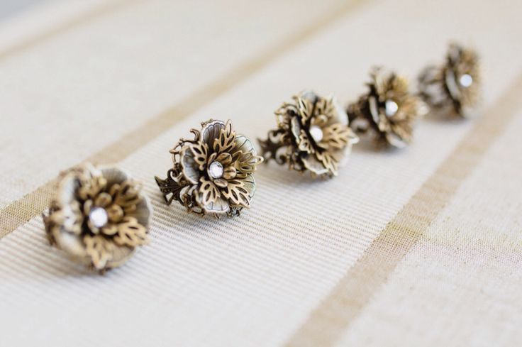 'Peony' rings all in a row.