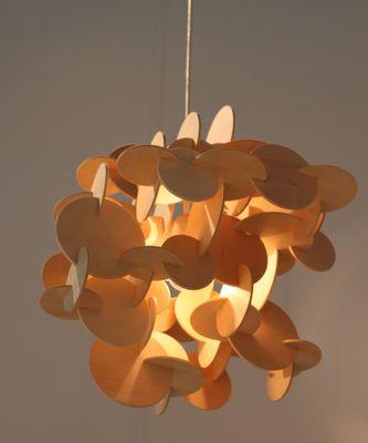 Scopri Sospensione Bau Small -H 43 cm, Legno naturale - H 43 cm di Normann Copenhagen, Made In Design Italia