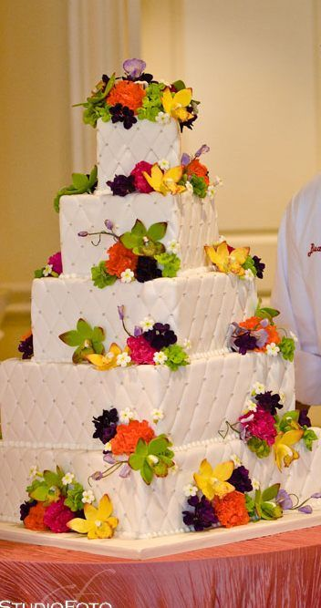 Cake Boss. i loved this wedding cake! and the bride was such a brat in this episode!