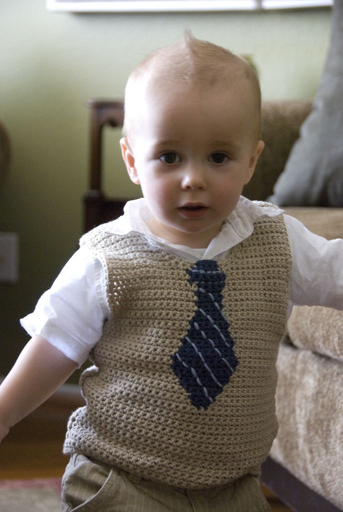 Isn't this just a darling little vest? And the tie's built right in!