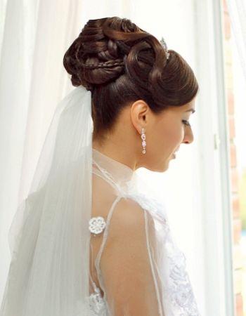 Высокие свадебные прически на фото