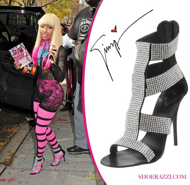 Nicki-Minaj-in-Giuseppe-Zanotti