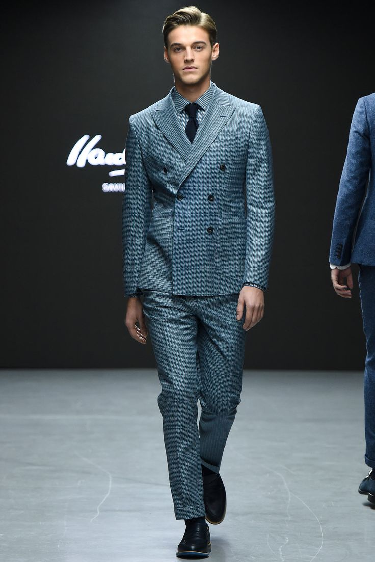 Even the shirt has the same patterns as the suit. SLICK! | Hardy Amies - Fall 2015 Menswear - Look 3 of 31