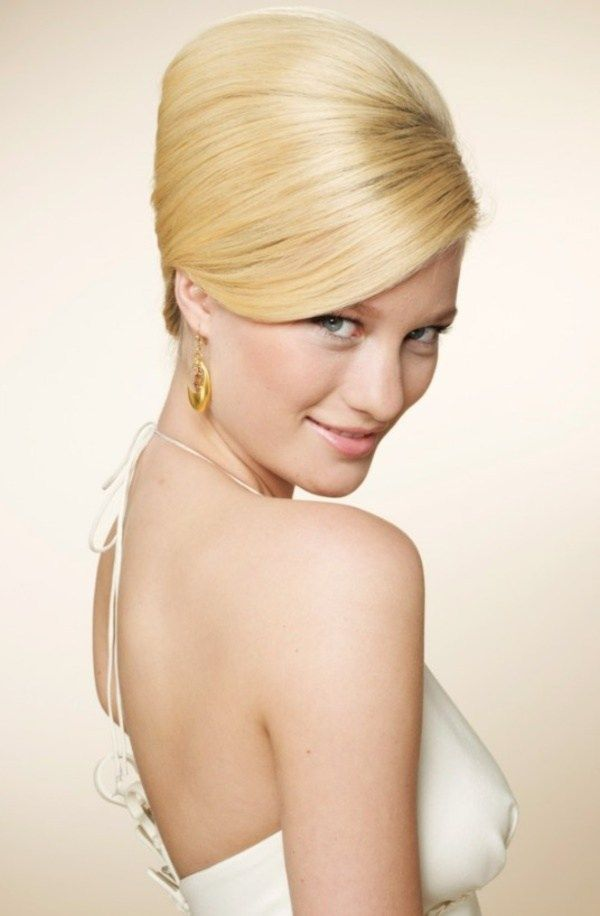 The 25+ best Bouffant hairstyles ideas on Pinterest   60s ...