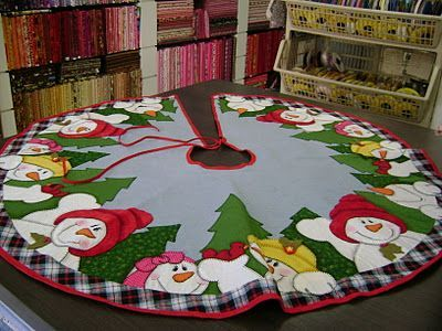 d174190621151e3d5626d420a1a1a374--christmas-quilting-christmas-tree-skirts.jpg 400×300 pixeles