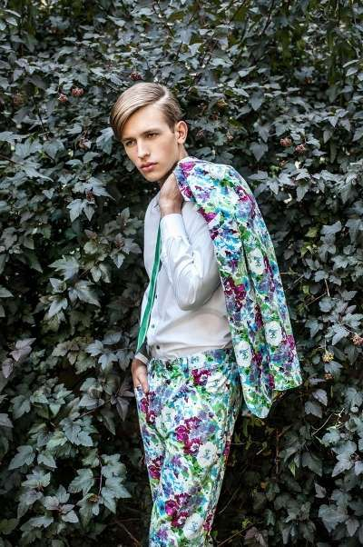 floral suit....not for every bud-y but bloomin' handsome on the right man.
