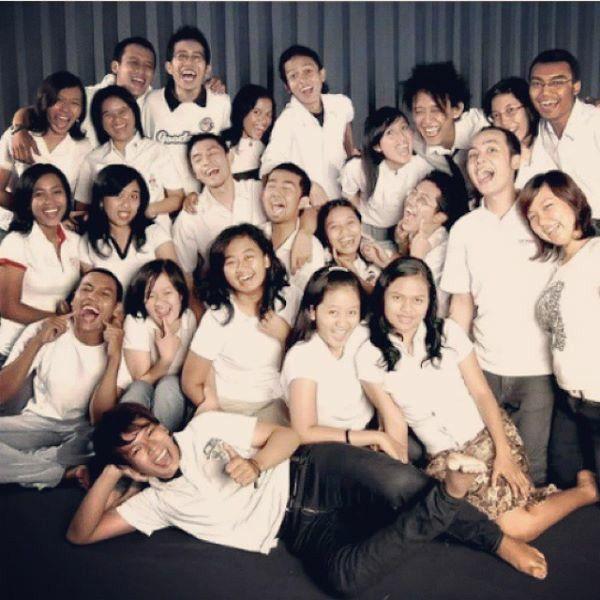 atma jaya radio announcer team 2007.. i miss you all...