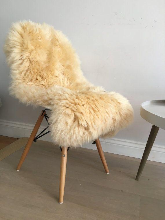 Stunning honey coloured sheepskin Rug beautiful genuine soft and fluffy sheepskin throw dark cream logjt beige by Swedishdalahorse #TrendingEtsy