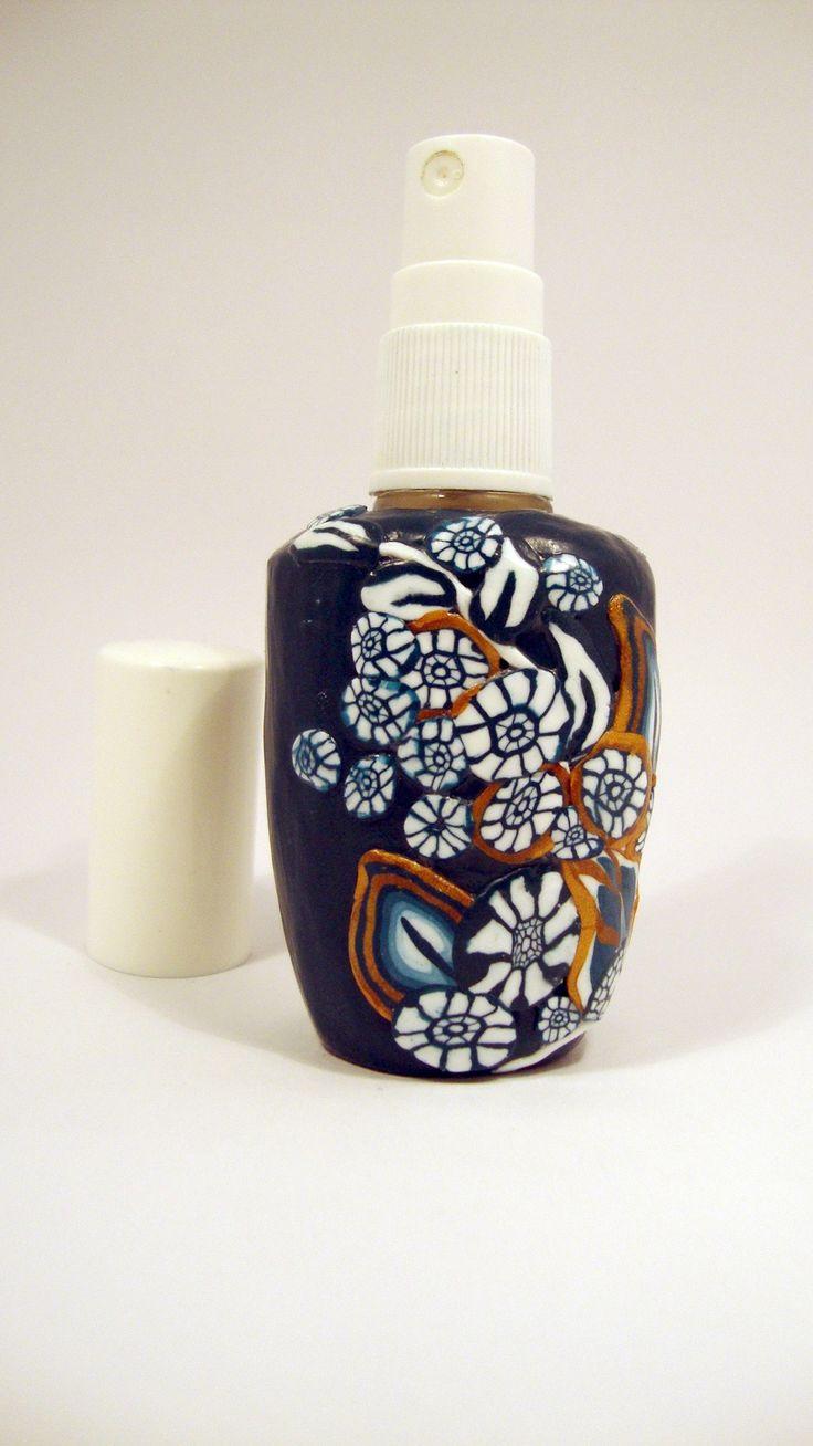 Kék arany parfümös üveg