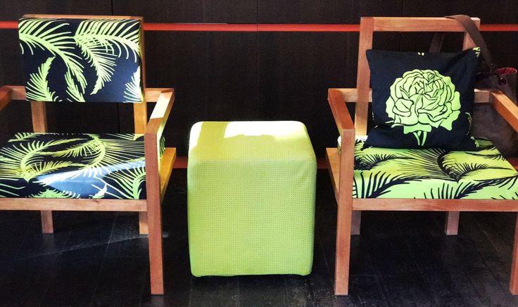 Nuova Collezione Living: Summer 2017. Poltrone in legno Okumè con seduta in tessuto verde pistacchio e nero collezione Jungle