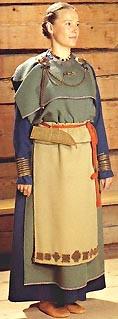 Eura-dräkten från mitten på 1050-talet är en av Finlands mest kända forntida dräkter. Efter Lethosalo-Hilander 1984.