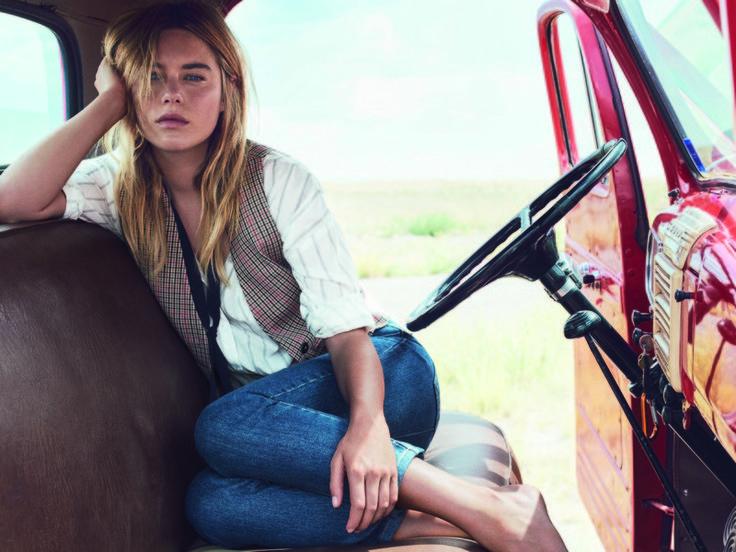 Mango-Model Camille Rowe im Interview: So stylst du Jeans im lässigen Paris - L.A.-Style