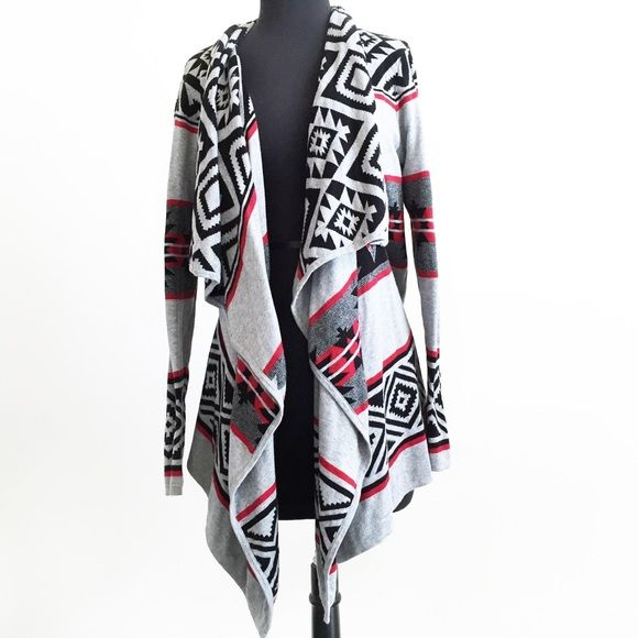 Forever 21 Aztec Gray Open Drape Cardigan Sweater Adorable open draped cardigan from Forever 21. Stretch sweater knit. Long sleeves. Tag is missing but it's a size small. Gently worn only once. In great condition! Forever 21 Sweaters Cardigans