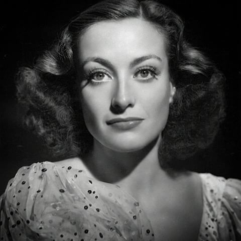 """@KILAfm Presents:  Lux Radio Theatre,   starring Joan Crawford  in """"Chained""""    We hope you enjoy this classic  radio show  ~~~~~~~~~~~~~  Start Time: 11:00 am/pst  ~~~~~~~~~~~~~  #JoanCrawford #KILAfm @theINshow #theINshow #Indie #Radio #Radio247 #OnAir #Online #Station #Broadcasts #RadioShow #Host #Programming #Theatre #Entertainment #Movies #Film #Music #Drama #Actress #Dancer #Model #MovieStar #Hollywood #SunsetStrip #CelebrityClassicRadio #CelebrityRadio #RadioWeStillLoveYou"""