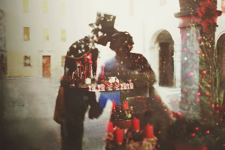 christmas wedding photos by Nadia Di Falco photographer #wedding #christmas #winter #shooting #love #red #lights #bokeh #photography