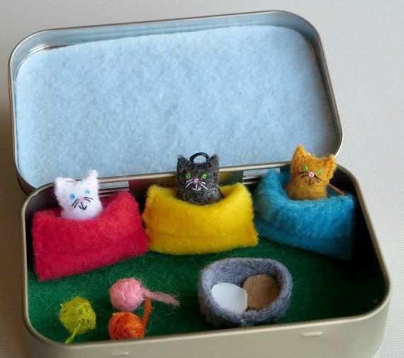 Cats in snuggle bags felt plush Altoid tin play set by wishwithme