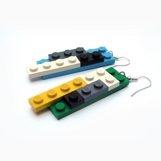 DIY lego earrings. EEEEEEEEE :D