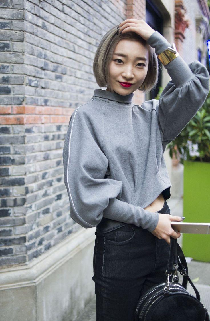Shanghai Fashion Week street style.