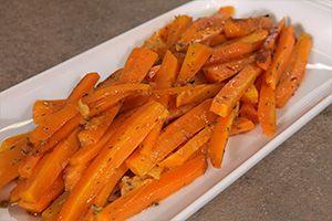ΥΛΙΚΑ 400 γρ καρότα 2 – 3 κ.σ. ελαιόλαδο Άλτις Παραδοσιακό 2 – 3 κλων. θυμάρι Χυμό από 1 πορτοκάλι Αλάτι χονδρό ΕΚΤΕΛΕΣΗ Καθαρίζουμε και κόβουμε τα καρότα σε μπαστουνάκια. Τα βάζουμε σε λαδόκολλα μέσα σε ένα ταψάκι, ραντίζουμε με ελαιόλαδο, χυμό πορτοκάλι, θυμάρι, αλάτι και ανακατεύουμε καλά με τα χέρια μας. Κλείνουμε τη …