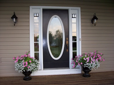 black...you should paint your door black then accent with pink and white                                                             Sweet Vintage of Mine: AROUND THE HOUSE