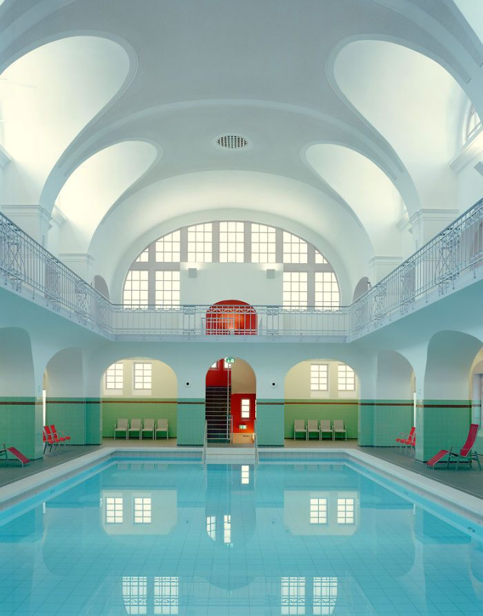 <p>If you're a fan of the visual style seen in the iconic movies by director Wes Anderson, then you will love this Reddit thread. Users from all over the world share their pics of hotels, buildings, sceneries or even people who seem to belong in the next Wes Anderson movie. Since the launch of the…</p>