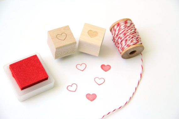 Mini Heart Stamp Set of 2, Outline & Solid Heart Stamps, Wood Mounted Rubber Stamp for Crafts, Scrapbooking, Gifts, Cards
