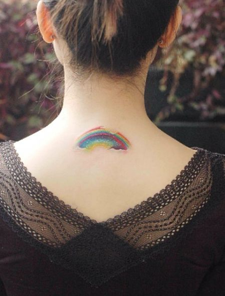 rainbow tattoo il tatuaggio con l 39 arcobaleno che appare sulla pelle paint my. Black Bedroom Furniture Sets. Home Design Ideas
