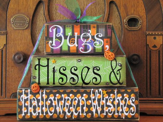 Halloween Sign  Bugs Hisses and Halloween by PunkinSeedProduction