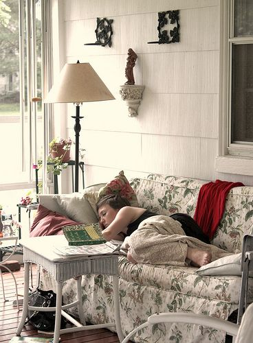 So cosyPorches I, Afternoon Naps, Comfy Porches, Screens Porches, Sleeping Porch, Sleep Porches, Porches Th, Sleep Spaces, Front Porches