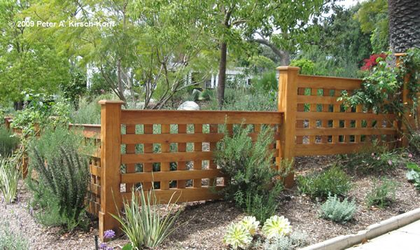 17 best images about fence ideas on pinterest fence for Using lattice as fencing