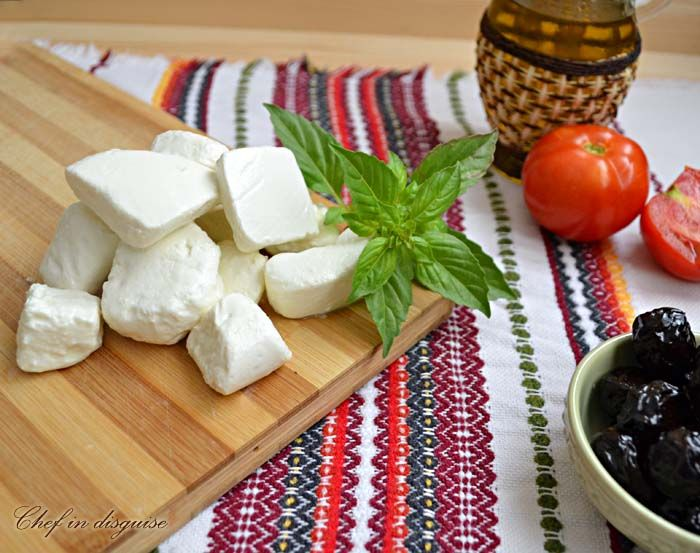feta-close.jpg 700×553 pixels