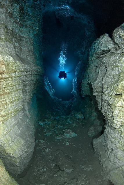 """Mergulho em Caverna - Caverna Orda, a """"Noiva Branca"""""""