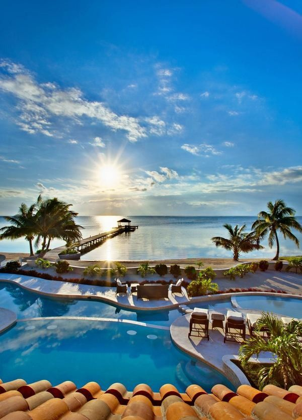 Ochos Rios, Jamaica Caribbean Tourist Destination.. ✽We❤This!✽ Grenlist.com ツ