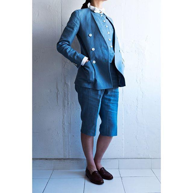 blue linen suit.  for women.      #lifestyleorder#meguro#tokyo#andc#instagood#photooftheday#ordersuit#fashion#ordermade#bespoke#suit#jacket#linen#collarless#snap    #スナップ#レディーススーツ#スーツ女子#オーダースーツ#オーダーメイド#スーツ#目黒 #レディースファッション#ノーカラー#オーダーメイド#ノーカラースーツ