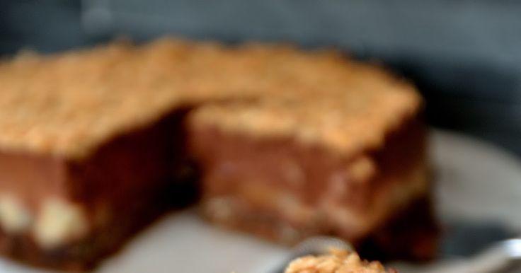 gâteau,entremet,mousse,chocolat,poire,noisettes,oeufs,crêpes dentelles,gavottes,feuillantine,croustillant,fondant,dessert,facile,cuisine de gut, pear chocolate cake,sans gélatine,