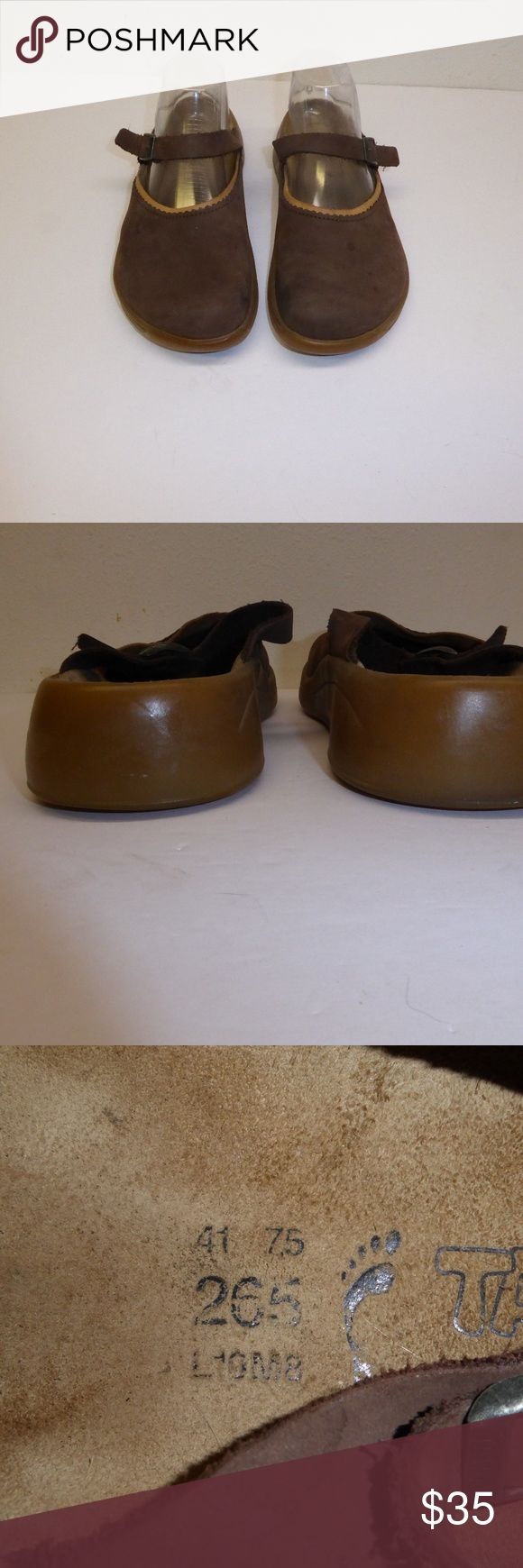 Tatami Birkenstock Slip-ons Size 10 #060 Dark brown Tatami Birkenstock slip-on shoes, size 41.  Leather uppers, rubber soles.  Some minor spots on uppers (see photos), but otherwise these pre-owned shoes are in excellent condition.  09/17 Birkenstock Shoes Flats & Loafers