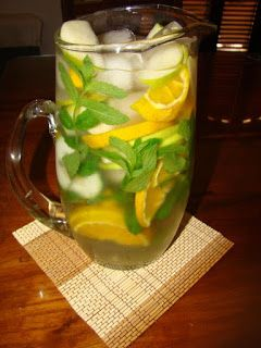 COCINA EN CASA: Agua de manzana, cítrico y menta Beverages, Drinks, Dory, Beer, Snacks, Meals, Healthy, Tableware, Smoothie