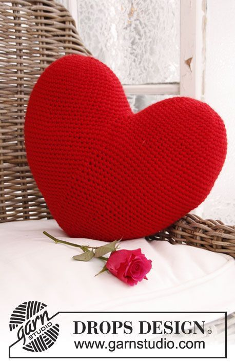 DROPS Crochet Valentine Heart Pillow Free Pattern