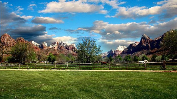 Driftwood Lodge - 2 miles from Zion National Park - Jeanene Fisher stayed & liked it