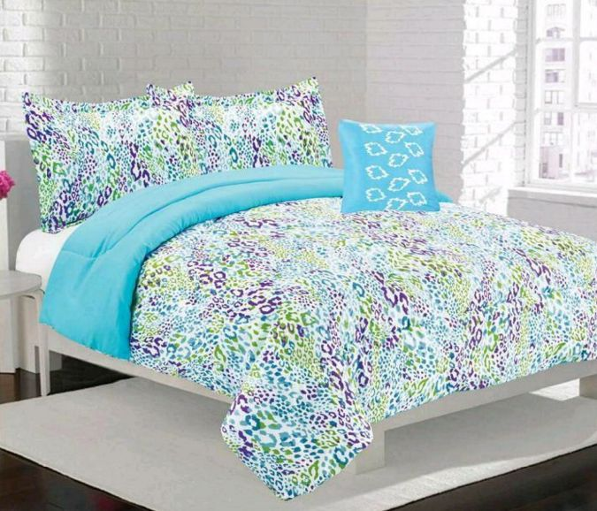 Blue leopard print bedding