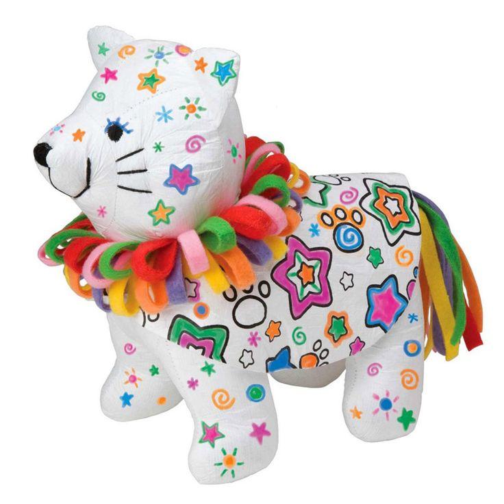 Alex Boya Ve Sarıl & Yıkanabilir Kedicik    Boyanabilir ve yıkanabilir kedi.   Baskılı desenlere sahip bu yumuşak sevimli arkadaşını kendi tasarımların ile renklendirebilir, makyaj yapabilirsin.   Rengini değiştirmek ister misin? Çamasır mekinesinde yıkayabilir sonra yeniden renklendirebilirisin.  4 Adet yıkanabilir renkli boya kalemi ve kolay kullanım talimatları içerir. 3 Yaş ve üzeri için uygundur.