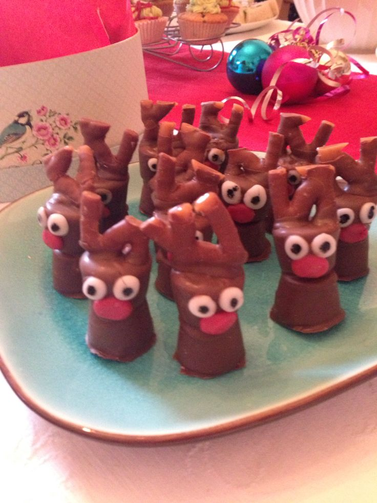 Curly Wurly, Chocolate and Marshmallow Reindeers: Mmmm