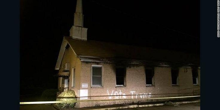 Ο Μισισιπής «ξανακαίγεται»: Άγνωστοι έκαψαν εκκλησία μαύρων και έγραψαν «Ψηφίστε Τραμπ» στους τοίχους της