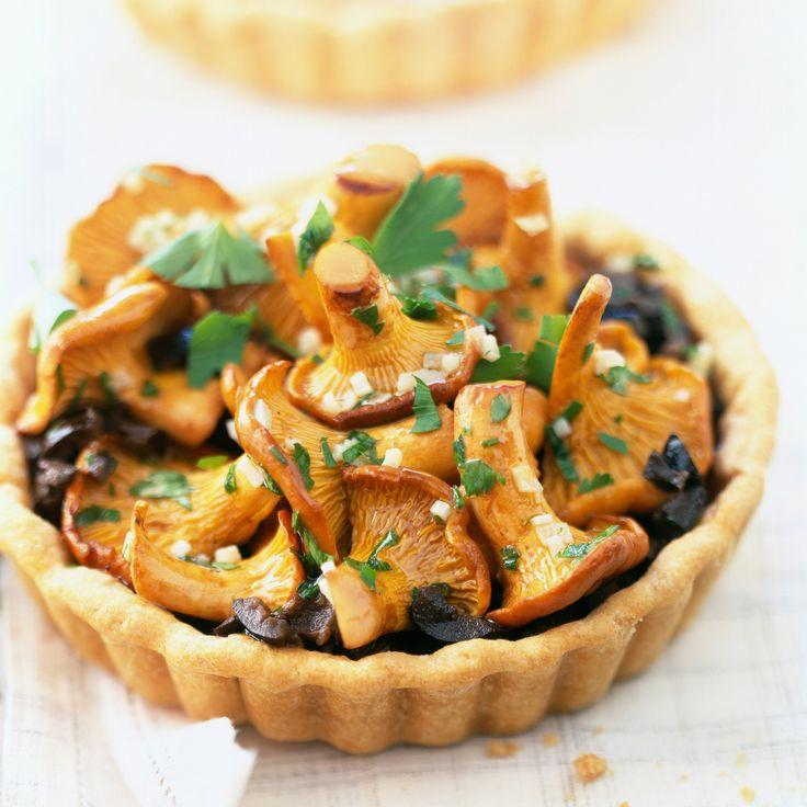 Tartelette aux olives et champignons chanterelles