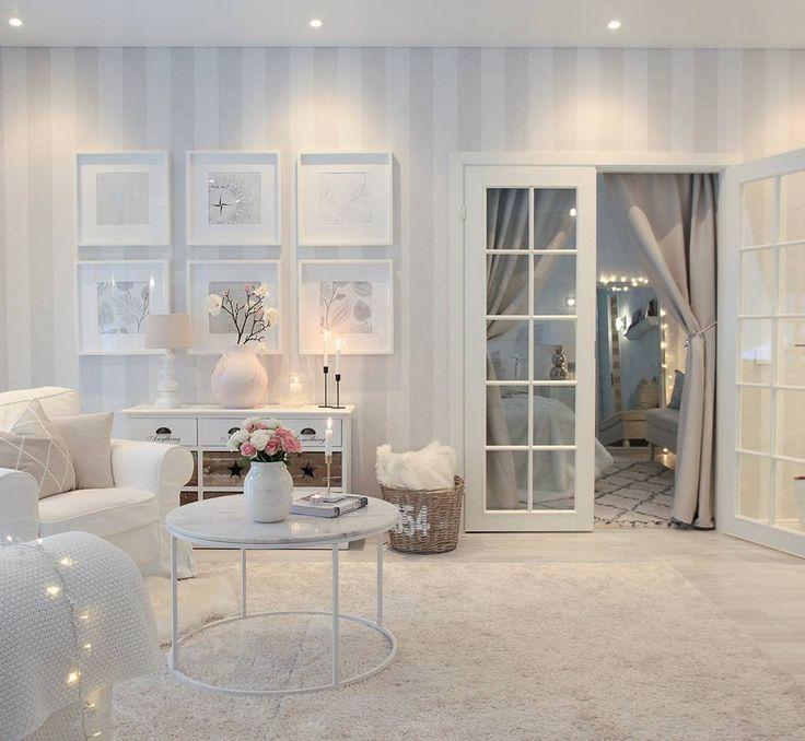 Good evening my instafriends!✨Tänään en ole jaksanut tehdä oikein mitään kovin ahkerasti. Ehkä huomenna olisi puhtia vähän enemmän! :) Mukavaa ja rauhallista iltaa!❇#evening #harmony #livingroom