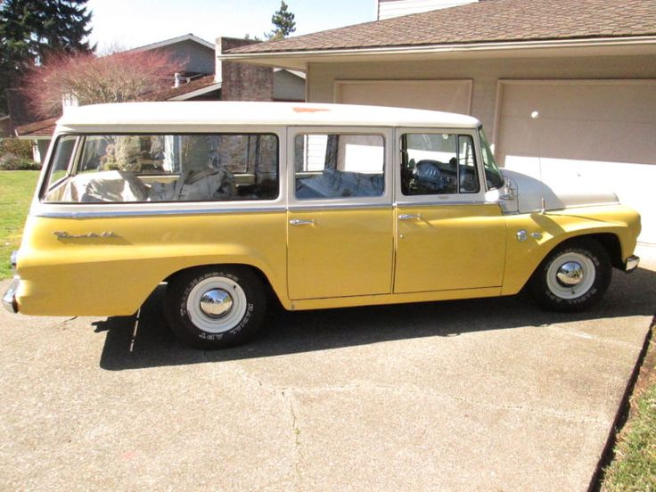 1964 International Travelall C1000 International Harvester. look at all the glass in this thing!